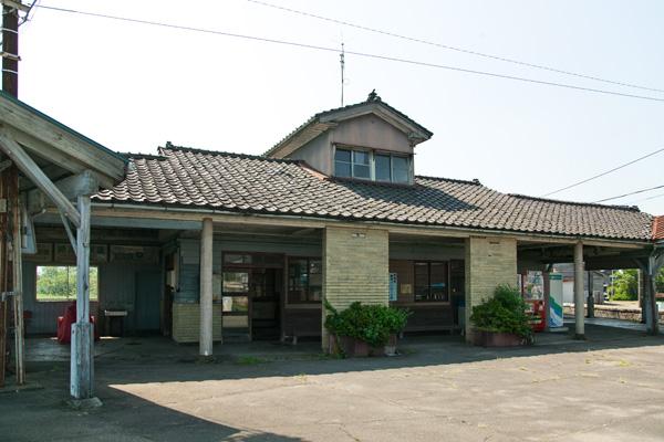 寺田駅待合室その2