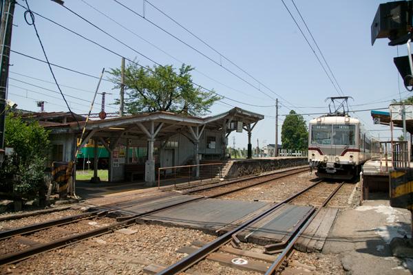 岩峅寺駅1,2番線